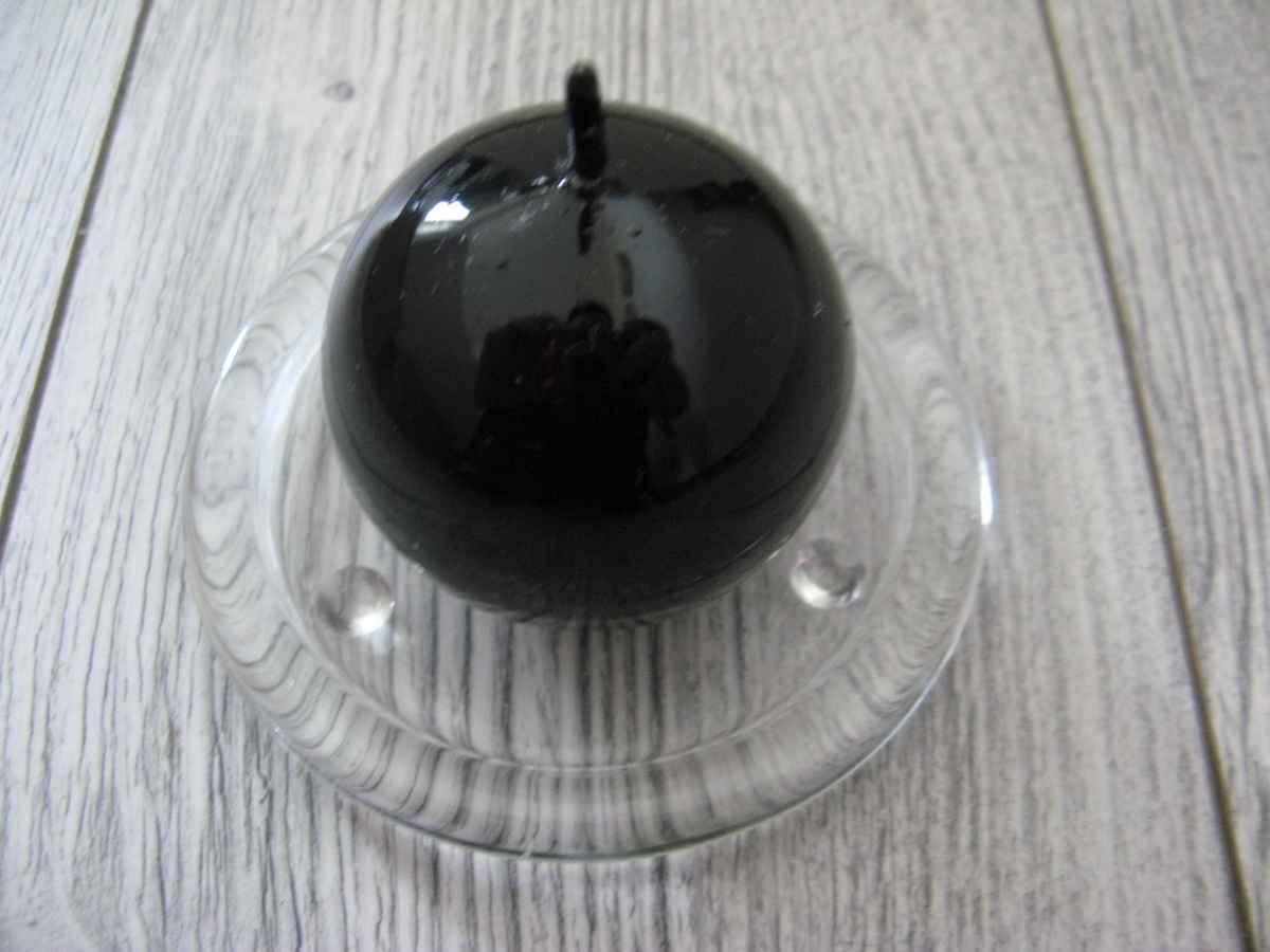 Sviečka guľa 6cm čierna lakovaná obr.1 – evkakvety-eshop.eu