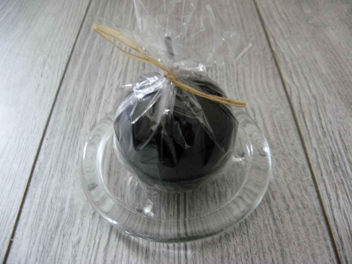 Sviečka guľa 6cm čierna lakovaná obr.2 - evkakvety-eshop.eu