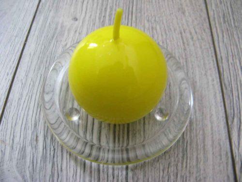 Sviečka guľa 6cm citrónovožltá lakovaná obr.1 - evkakvety-eshop.eu
