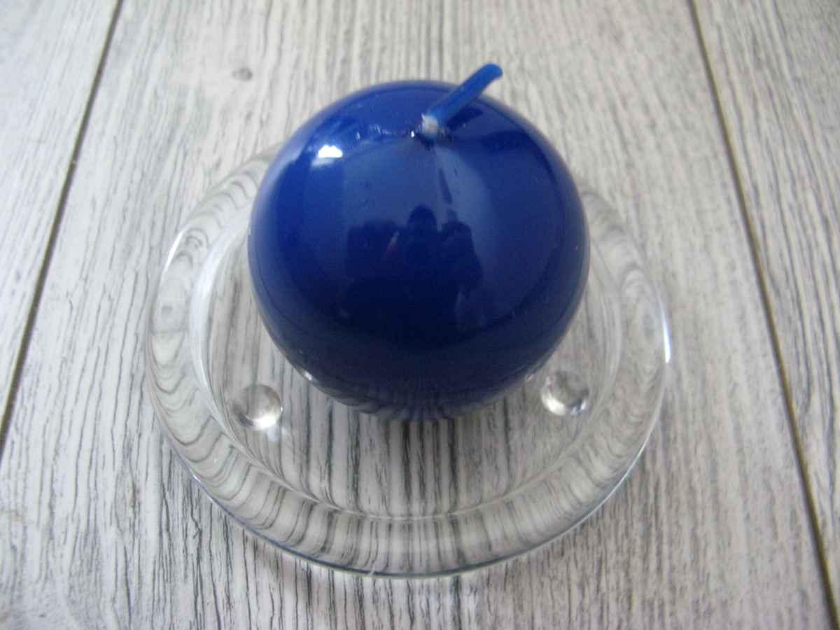 Sviečka guľa 6cm modrá lakovaná obr.1 – evkakvety-eshop.eu