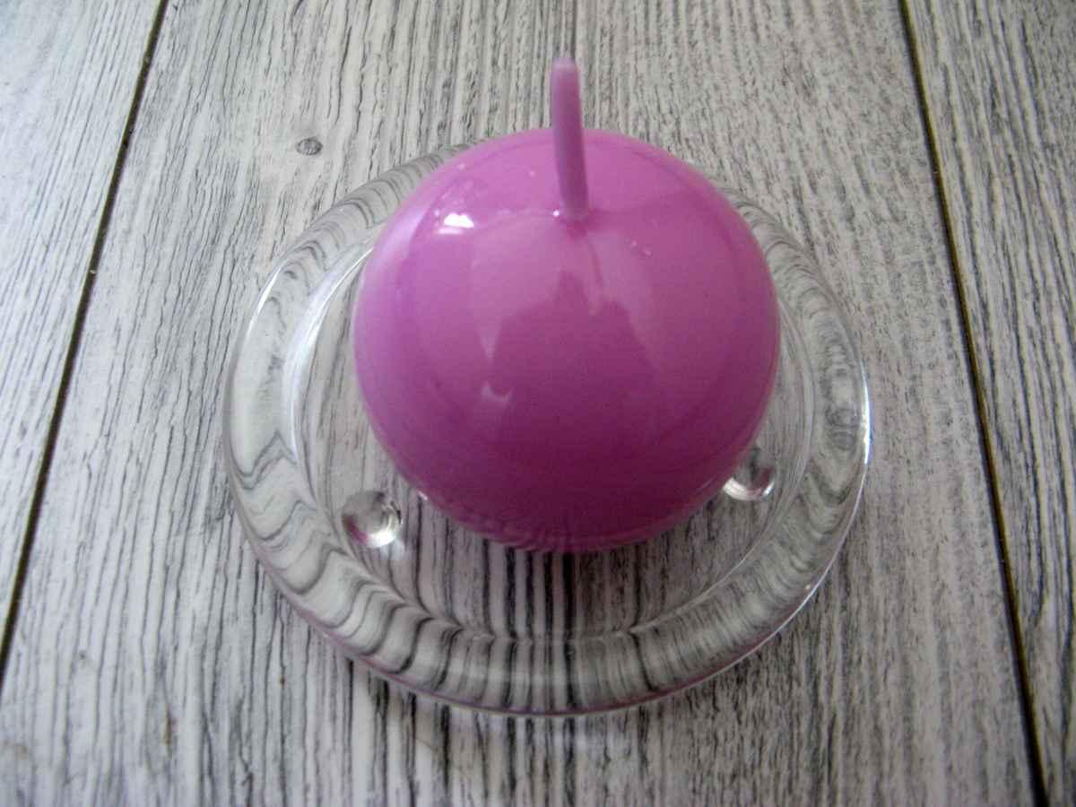 Sviečka guľa 6cm svetlofialová lakovaná obr.1 - evkakvety-eshop.eu