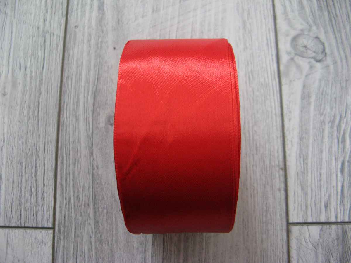Červená stuha 50mm x 32m č.3 - evkakvety-eshop.eu