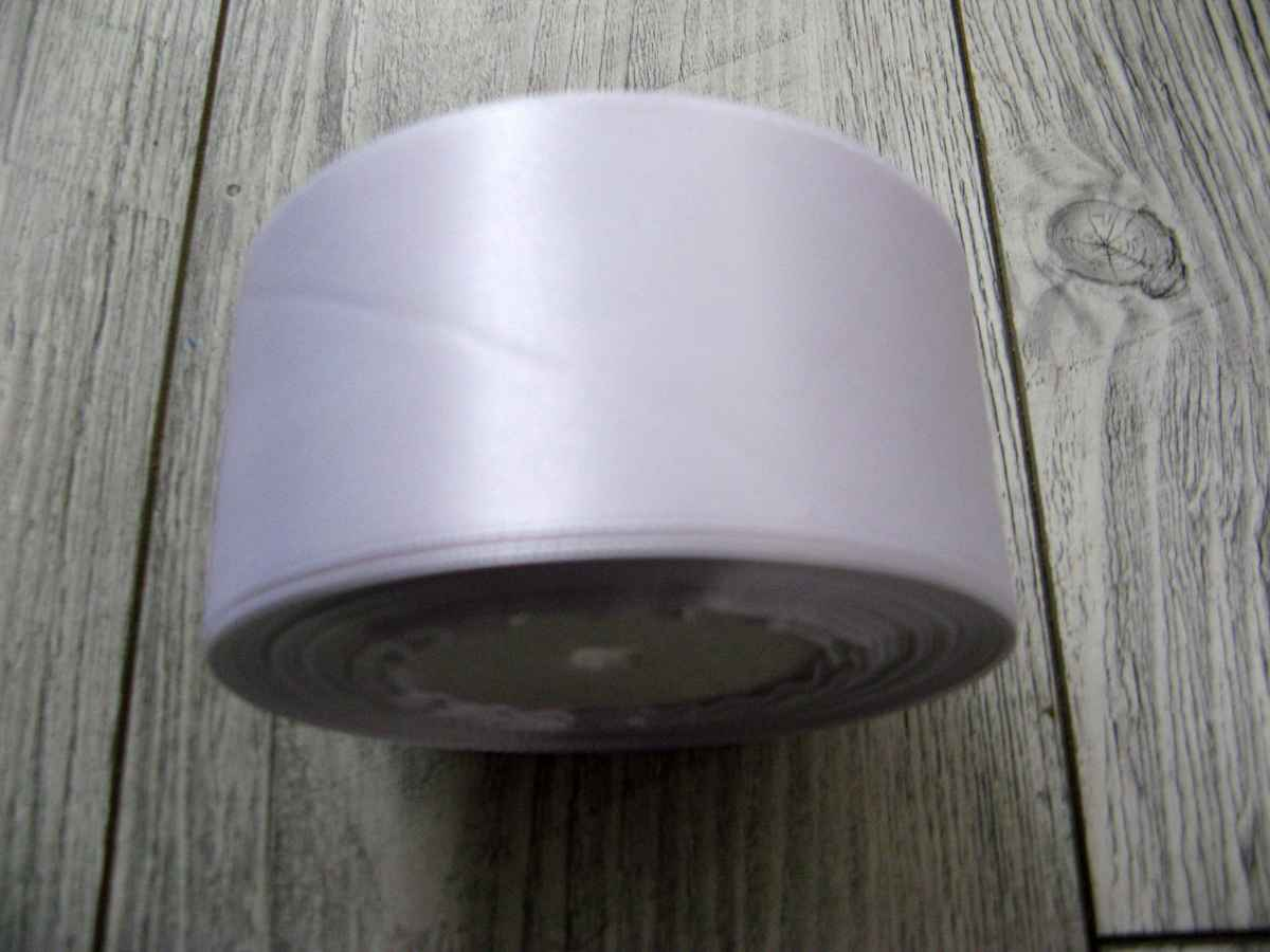 Saténová stuha biela - White 50mm x 32m obr.2 - evkakvety-eshop.eu