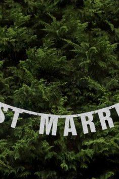 Strieborny banner just married 18x170cm - evkakvety-eshop.eu