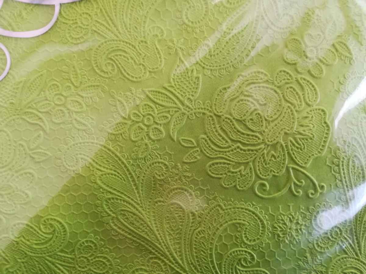 Reliéfna servítka s motívom čipky - trávovozelená - evkakvety-eshop.eu