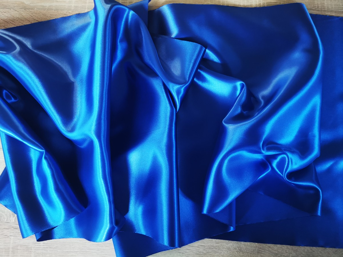 Satén - Kráľovská modrá - Royal Blue - 47cm - evkakvety-eshop.eu