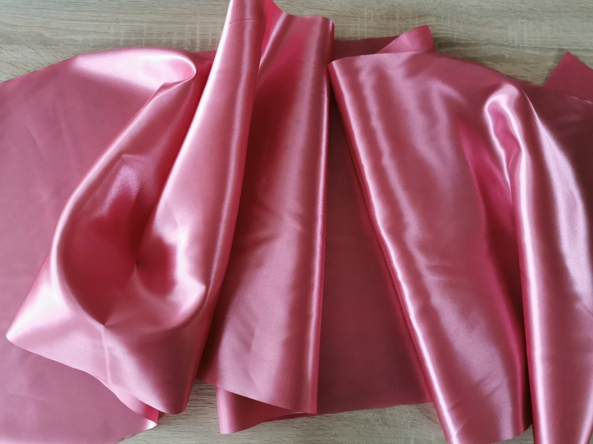 Satén - Tmavá staroružová- Dark Old Pink - 47cm - evkakvety-eshop.eu