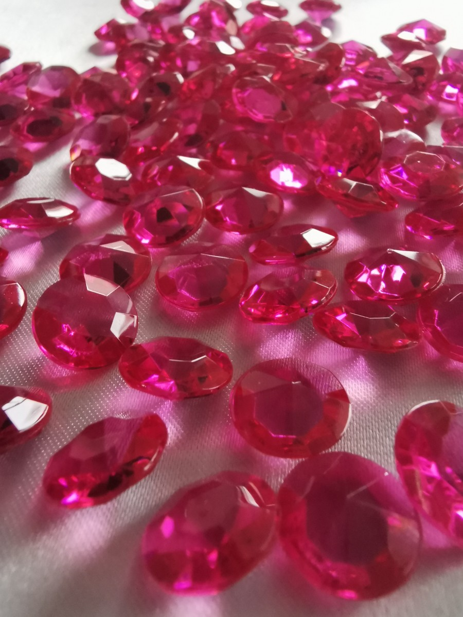 Dekoračné diamanty cyklámenové 12mm - evkakvety-eshop.eu