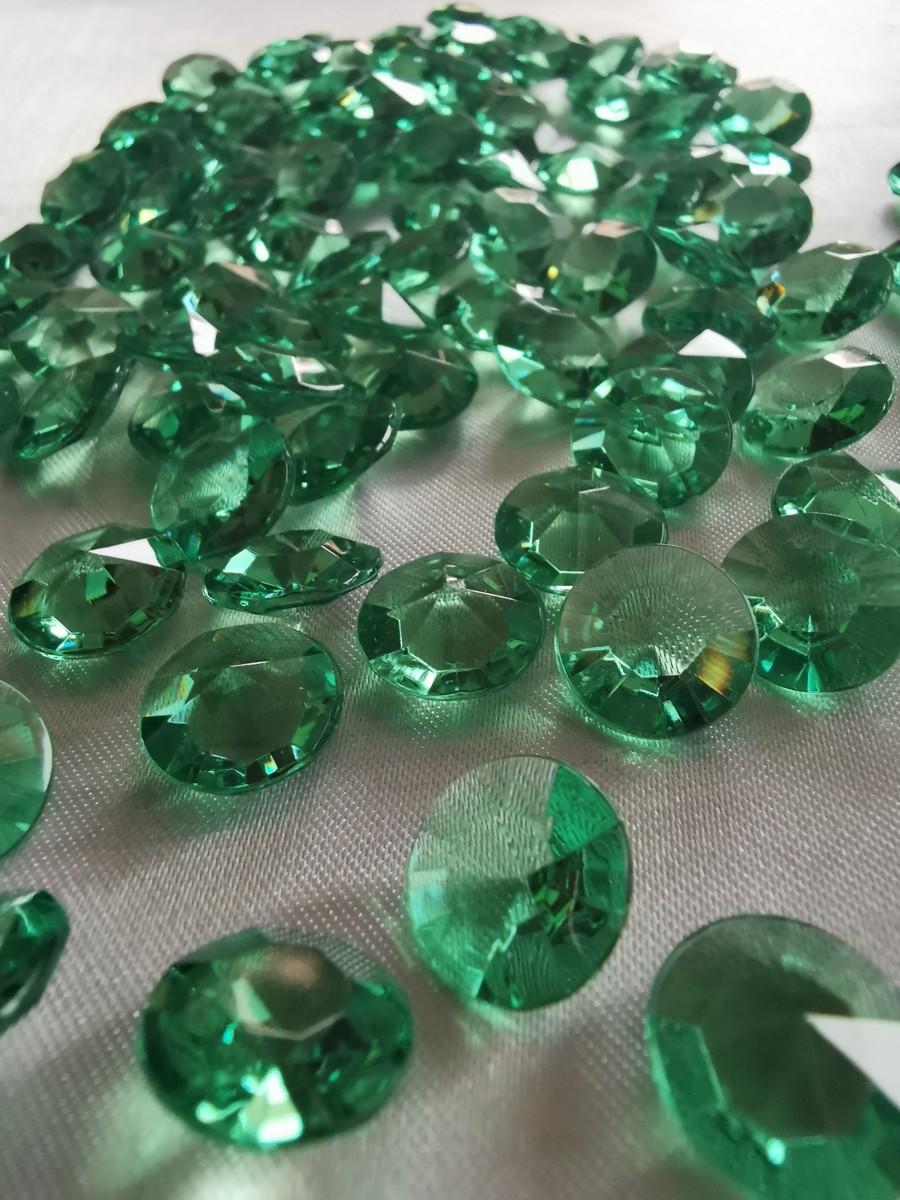 Dekoračné diamanty zelené 12mm – evkakvety-eshop.eu