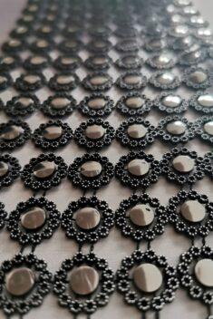Diamantový pás kvietky, 12cm - čierno-strieborný - evkakvety-eshop.eu